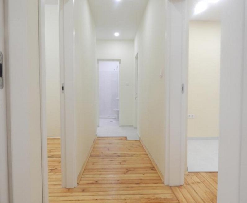 Четиристаен апартамент в Докторски Паметник до парк Заимов
