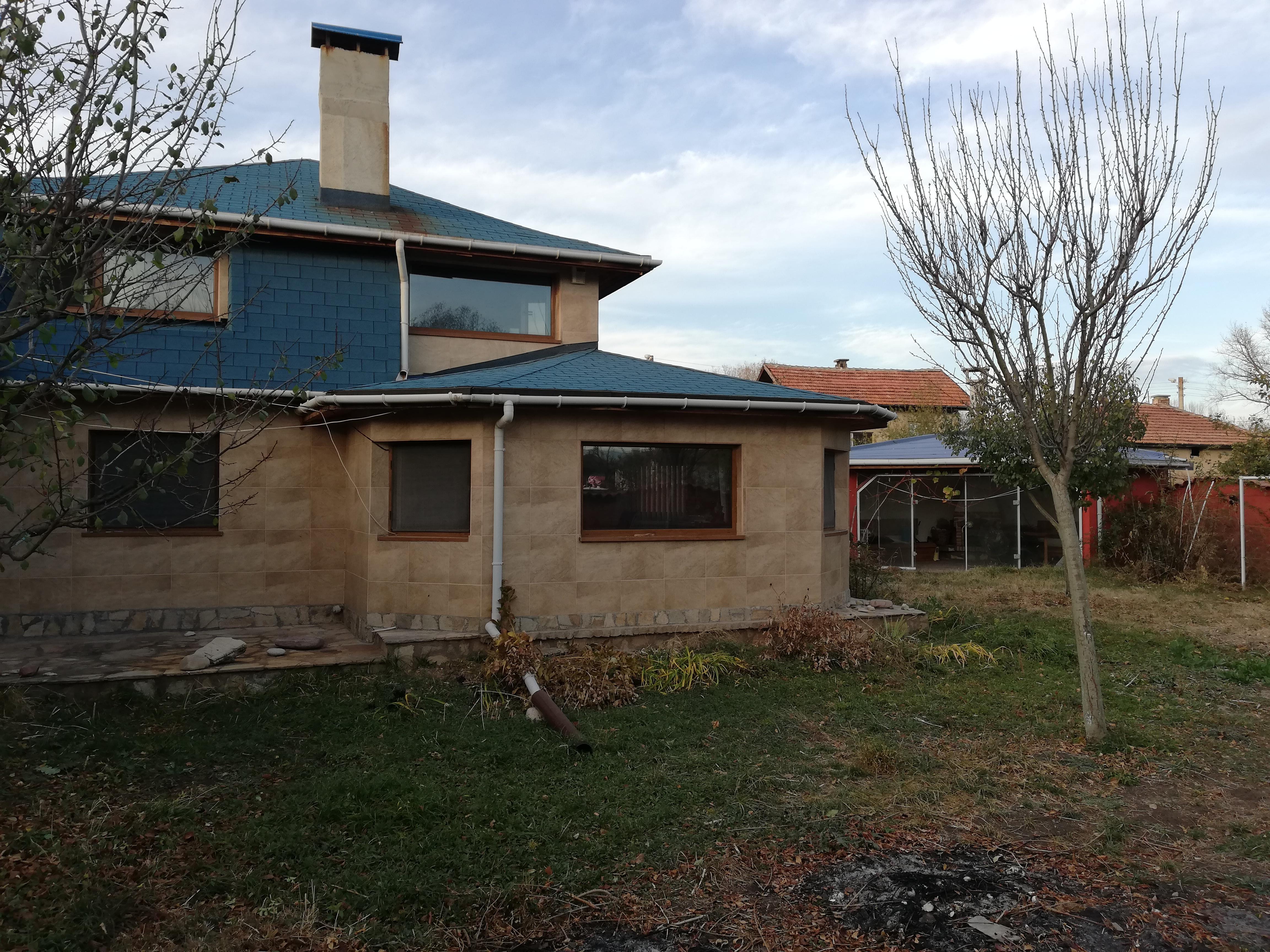 Къща село Долни Раковец